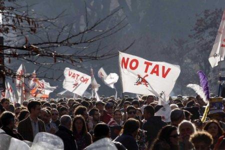 """Val di Susa, No Tav accusati di """"terrorismo"""""""