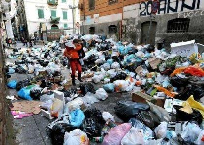 Emergenza rifiuti in Campania: la Camera approva il decreto