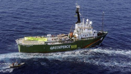 """""""Gli attivisti di Greenpeace non sono pirati"""": 11 Premi Nobel scrivono a Putin"""