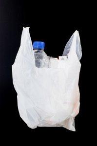 """Sacchetti di plastica, """"l'Italia diventa un esempio per l'Europa"""""""
