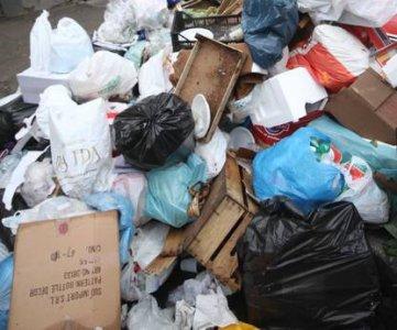 Rifiuti, a Napoli si pensa all'apertura di due nuove discariche