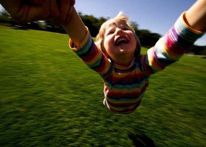 Un 'non senso' in un mondo in crisi: educare alla gioia