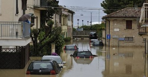 Tornadi, frane e alluvioni: l'Italia va in pezzi