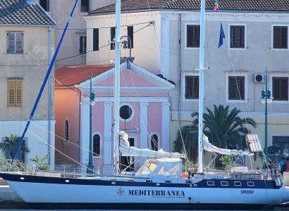 """E' salpata Mediterranea, l'imbarcazione """"scollocata"""""""