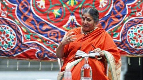 I fiancheggiatori del biotech contro Vandana Shiva: la strategia della calunnia
