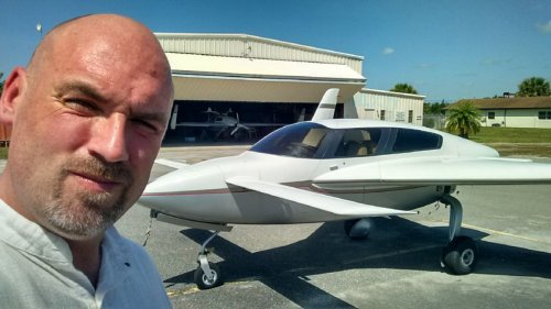 È canadese il primo aereo di canapa: pronto a volare nel 2015