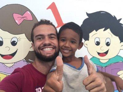 Negli orfanotrofi del mondo per testimoniare l'uguaglianza tra i bambini