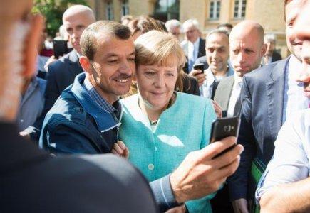 La falsa solidarietà di Angela Merkel agli immigrati