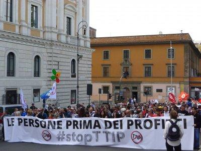 StopTTIP, questa è l'Italia che vuole contare!