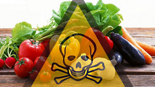 Il cibo avvelenato: ecco quanti pesticidi mangiamo