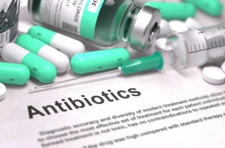 «Super batteri e antibiotici ormai inutili: il ministero non fa nulla»