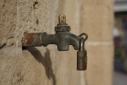 """Le proposte dei """"nonni"""" per risolvere l'emergenza idrica (a Roma e non solo)"""