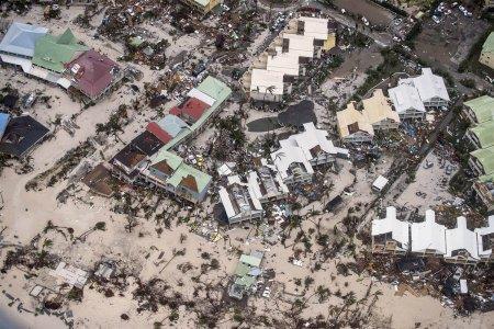 Trump dica agli uragani che i cambiamenti climatici sono una invenzione degli ambientalisti