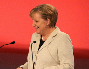 Merkel sconfitta dai Verdi. Troppo tardi per l'inversione sul nucleare
