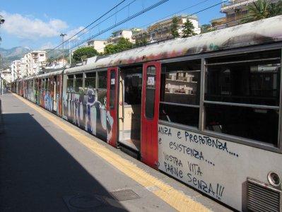 Treni: le dieci linee ferroviarie flagello dei pendolari