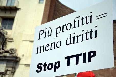Stop TTIP dà la sveglia ai politici: il 10 febbraio tutti a Milano