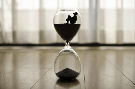 Il tempo è denaro o vita?  Accelerazione e alienazione nella società moderna