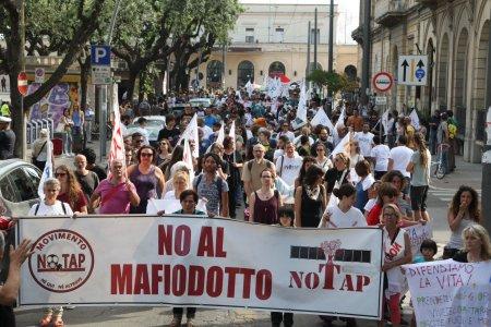 Il gasdotto TAP è inutile, dannoso e non conviene agli italiani