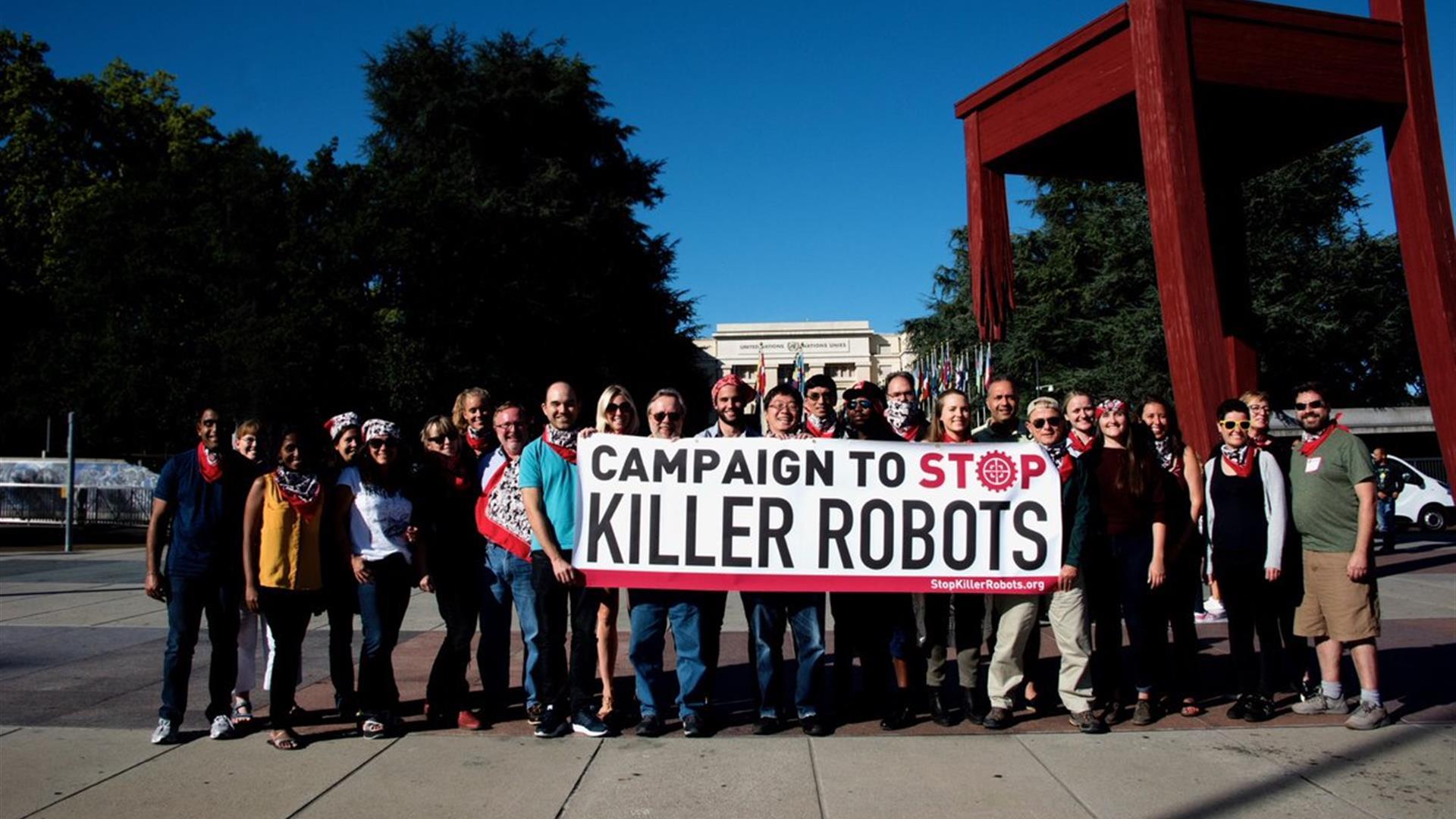 """Gli scienziati italiani: """"Fermate la corsa ai robot killer!"""""""