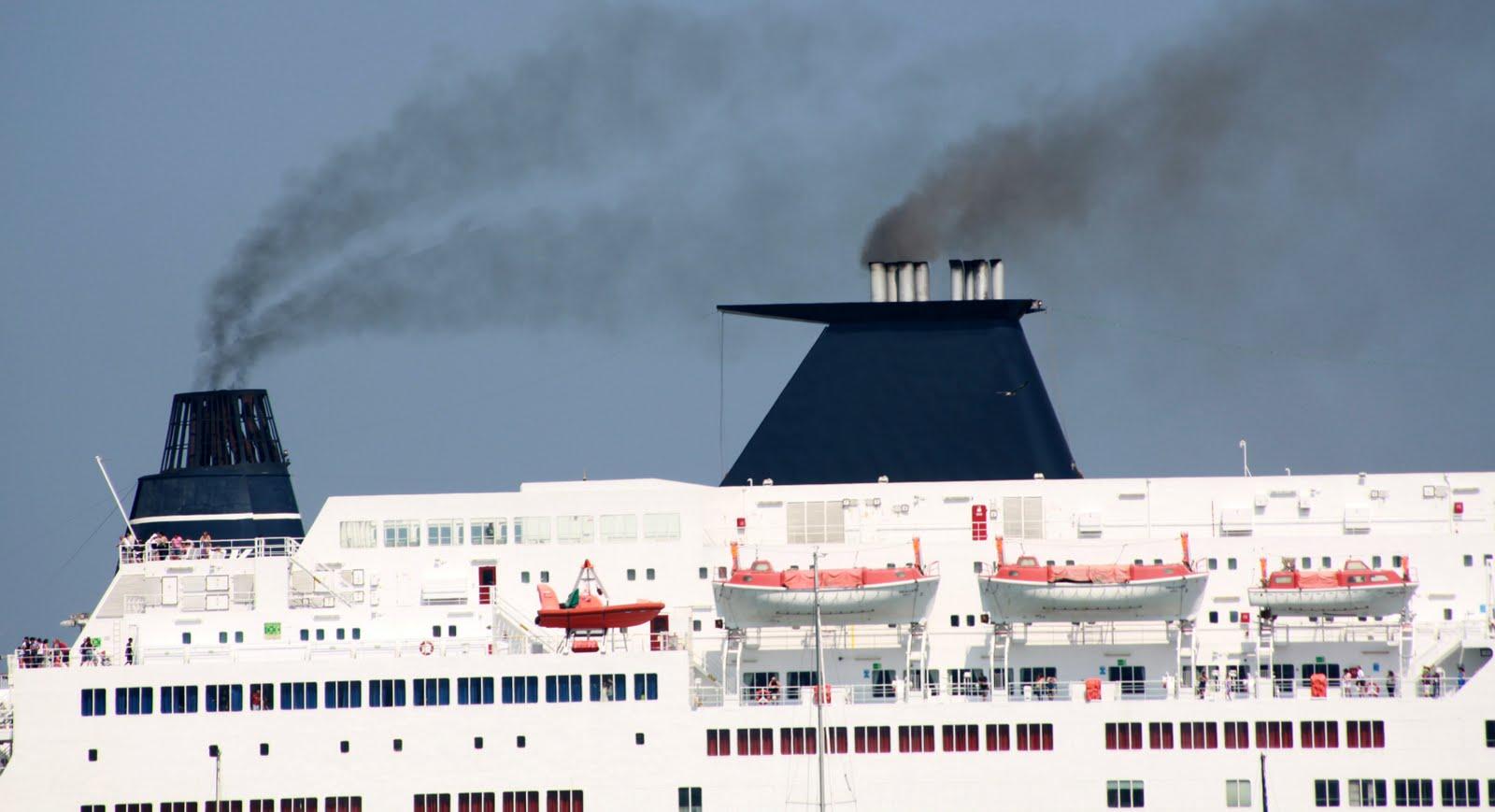 Scoppia il caso: anche Napoli soffocata dal particolato ultrafine delle navi