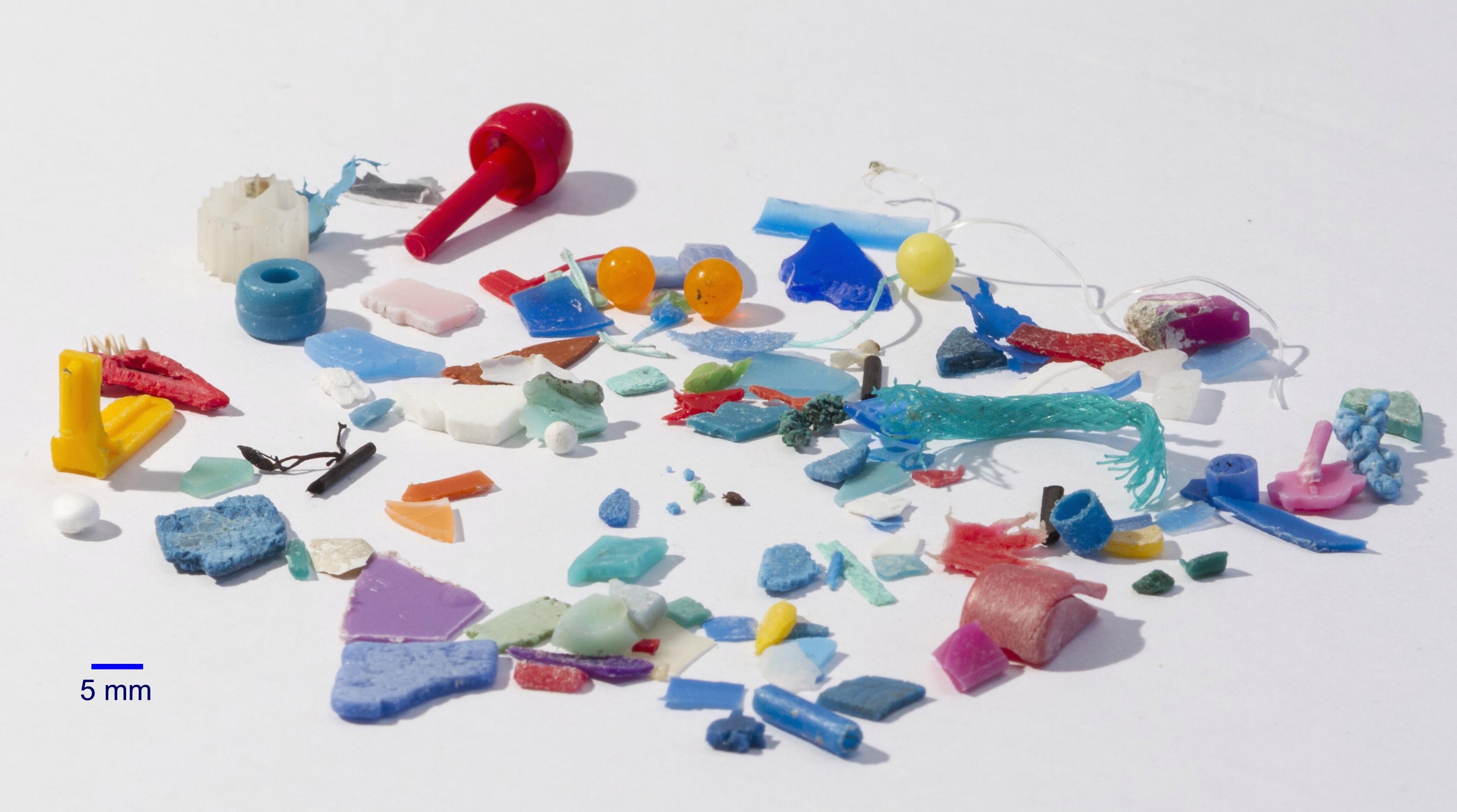 Le microplastiche sono anche nell'aria che respiriamo