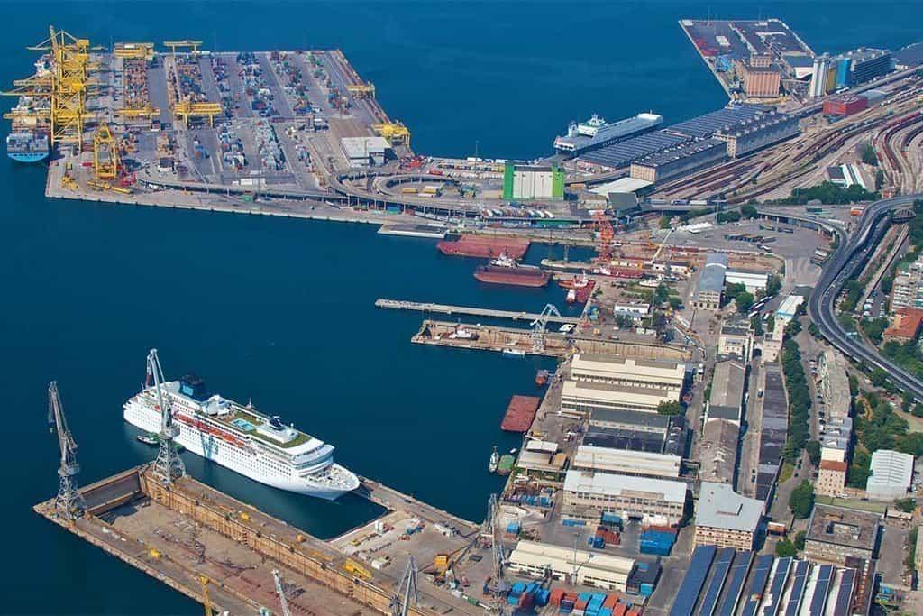 Portuali a Trieste:
