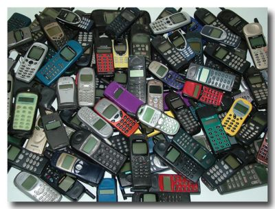 Consumo di cellulari, un mercato che ha le gambe corte