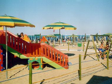 Decreto sviluppo: cancellata la privatizzazione delle spiagge