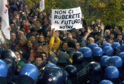 No-Tav, manifestanti pronti a resistere allo sgombero