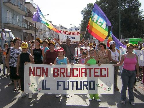 Rifiuti in Campania: lettera aperta a Luigi De Magistris