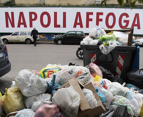 Emergenza rifiuti, fa notizia solo l'esito della votazione per lo scontro politico