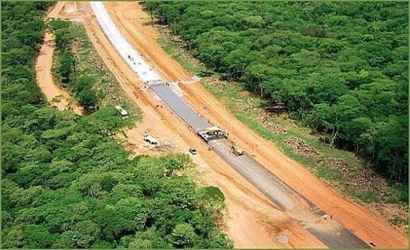 Bolivia: una strada verso il Pacifico taglia a metà la riserva Tipnis