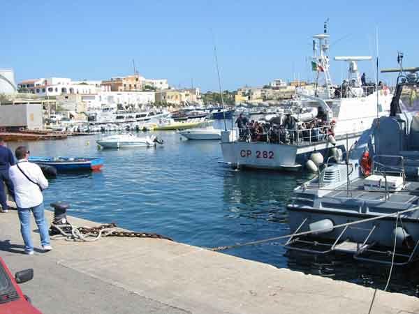 I diari di Lampedusa. Prima parte - I migranti che non esistono