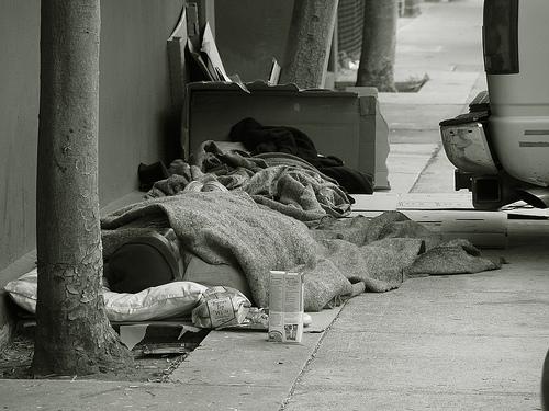 Notte senza dimora, reportage di una dormita in strada