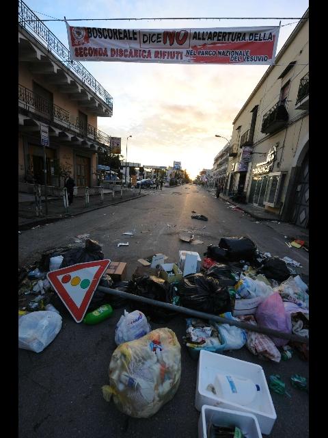 Terzigno, aumentano gli scontri e la tensione sale contro la discarica