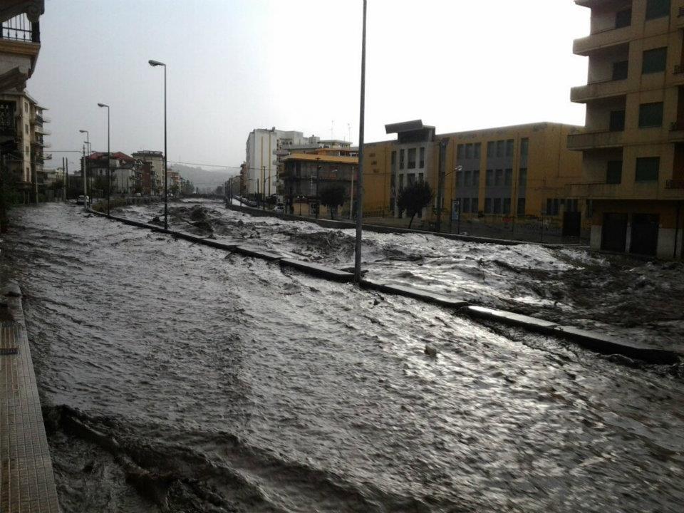 Maltempo: nubifragio in Sicilia, tre le vittime nel messinese