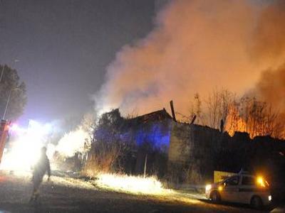 Torino, incendiato campo Rom. Nervi a pezzi per la città dell'accoglienza?