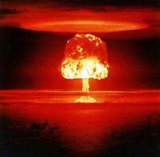 Indignati. Le assemblee di Mosca e New York per il disarmo nucleare