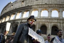 Roma. Il carnevale degli indignati per informare i cittadini