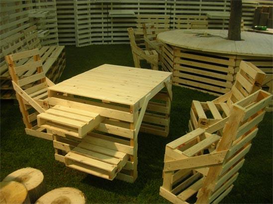 Bancali sostenibili per un arredamento originale ed ecologico for Arredamento per fiere