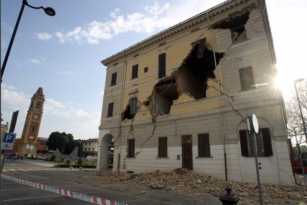 Terremoto in Emilia: il Governo aumenta la benzina