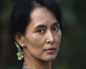 San Suu Kyi libera e il calderone mediatico occidentale