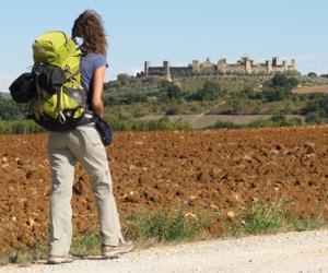 Viaggiare con lentezza: a Monteriggioni il Festival della Viandanza
