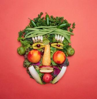 Storie di ordinaria follia culinaria: dibattiti tra vegani e 'ordinari' a tavola