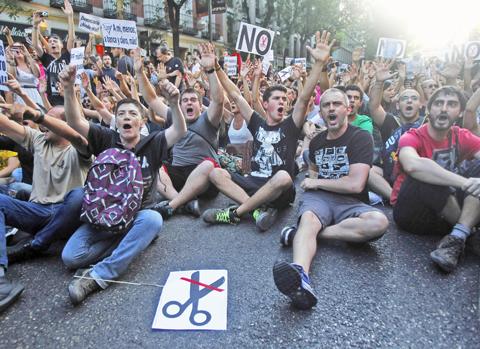 Spagna: continuano le proteste contro il piano di austerità