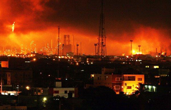 Petrolio: esplosione nella più grande raffineria del Venezuela