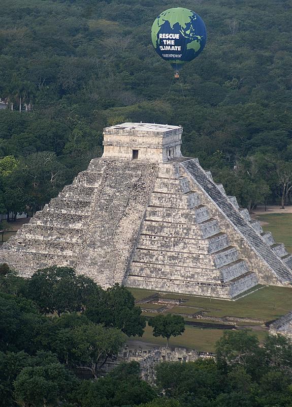 Cancun: Greenpeace chiede accordi vincolanti per salvare il Pianeta