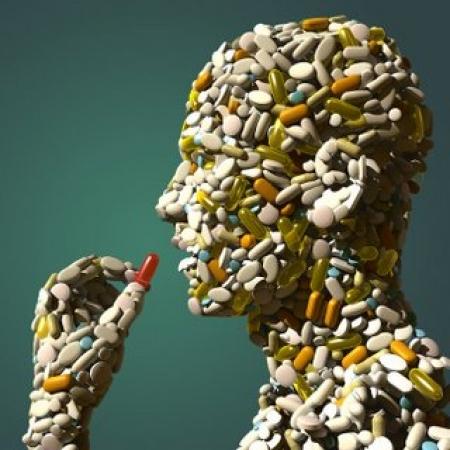 Antibiotici e resistenza dei batteri: rischio epidemie entro il 2050