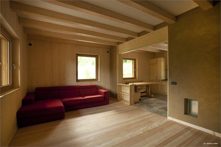 Vivere in una casa di legno costruire un sogno partendo for Costruire una casa da zero