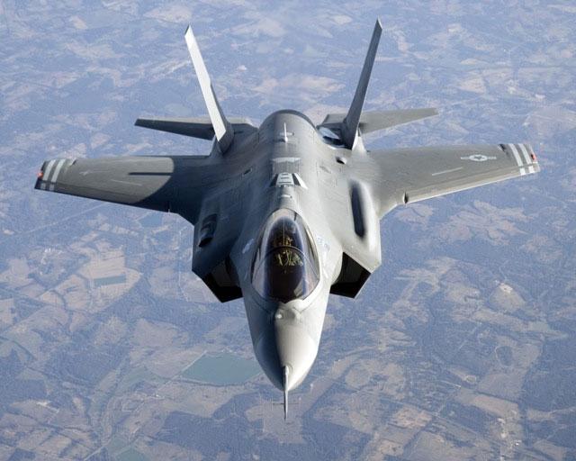 F35, parte la petizione contro l'acquisto degli aerei militari